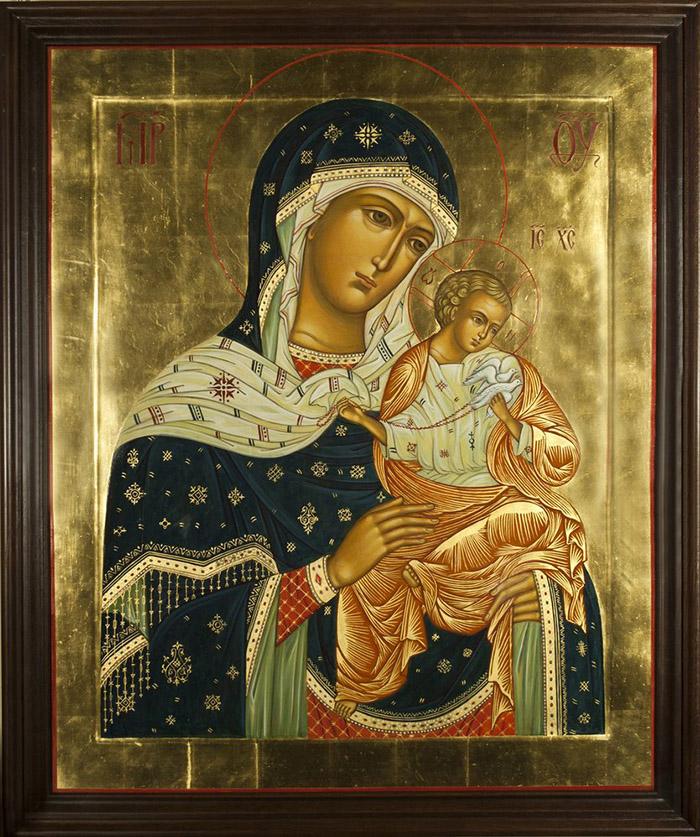 Пред иконой Пресвятой Богородицы Коневская
