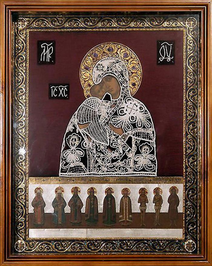 Пред иконой Пресвятой Богородицы Оранская